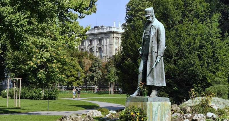 estatua del emperador Franz Joseph