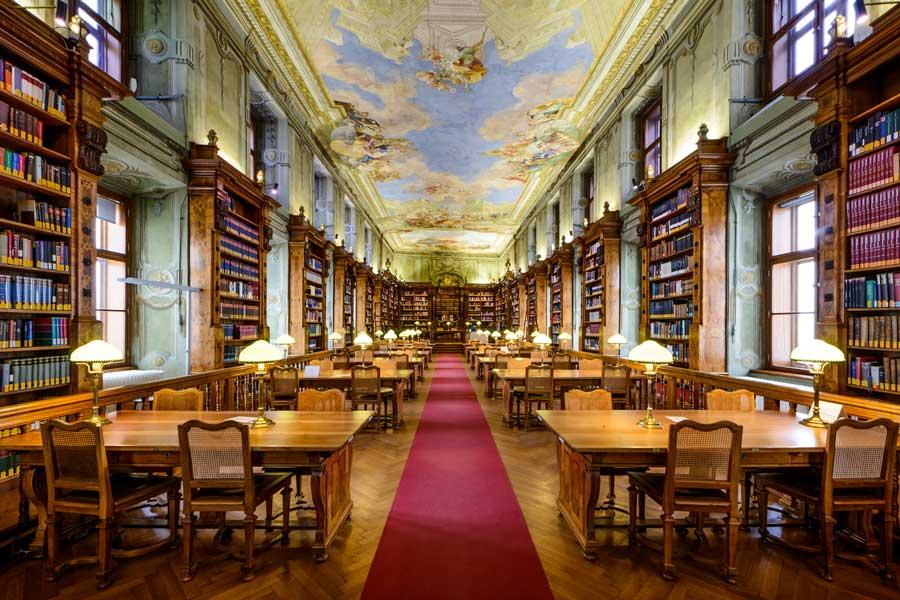 Libros y Manuscritos recopilados durante siglos