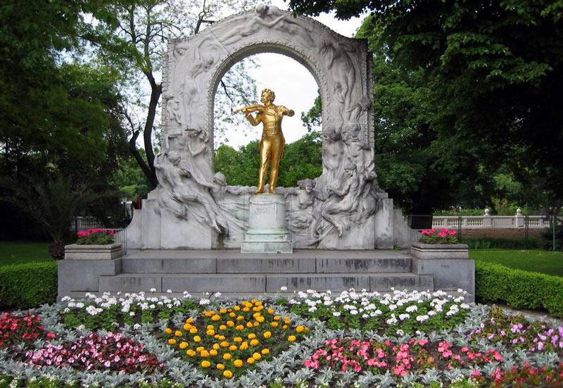 Estatua de Johann Strauss en el Stadtpark