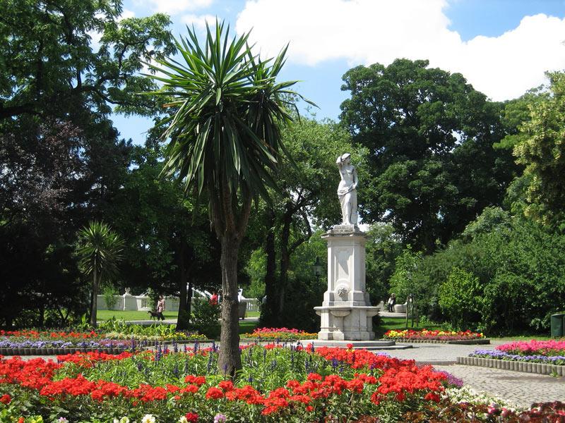 El parque con más Estatuas y Monumentos de Viena