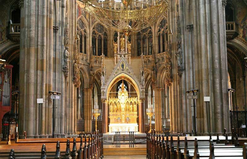 Interior Iglesia Votiva