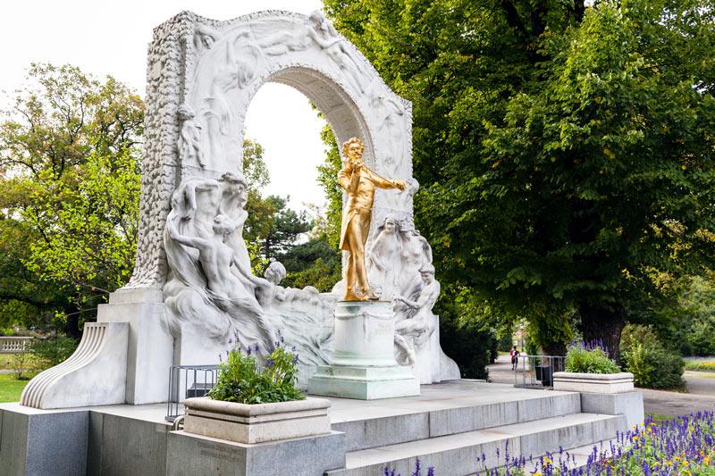 monumento johann strauss stadtpark
